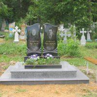 Подвійні пам'ятники 21